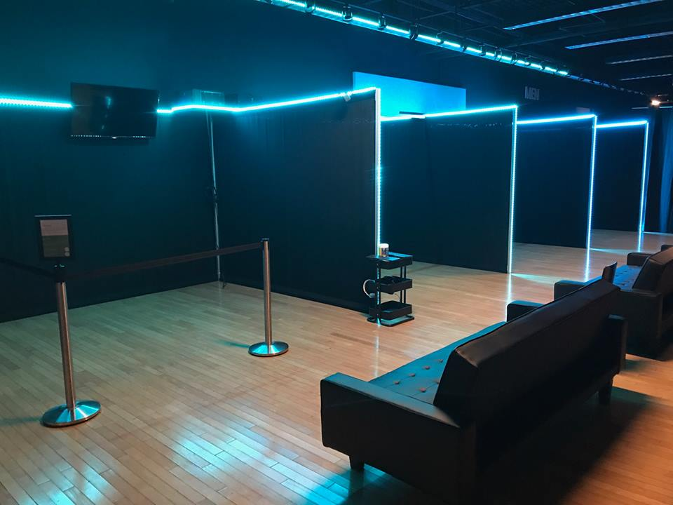 add a virtual reality game room to your family fun center or arcade business
